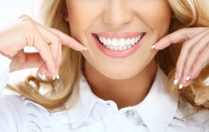 Improve self-image and quality of life by beautifying your teeth and gums. Learn how  Arcadia cosmetic dentist, Dr. Kenneth J. Canzoneri, makes over smiles.